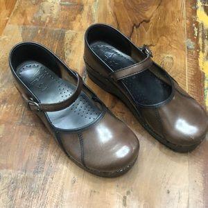 Mary Jane Leather Danskos